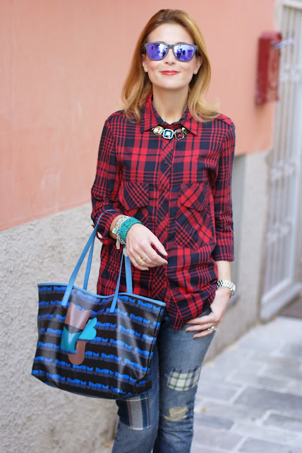 red plaid shirt, marc by marc jacobs tote bag, MAC lady bug lipstick, Fashion and Cookies, fashion blogger
