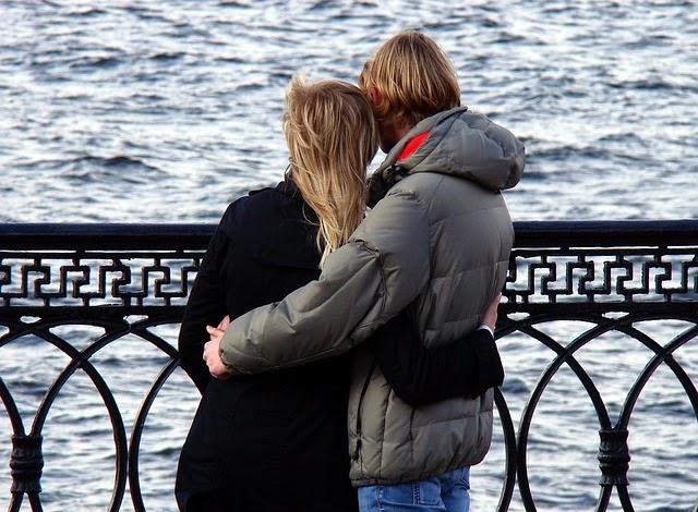 4 Tips Membuat Kekasih Merasa Nyaman dan Bahagia