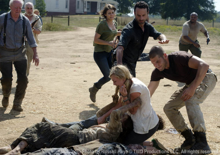 Cassie Carnages House Of Horror The Walking Dead Season 2 Episode