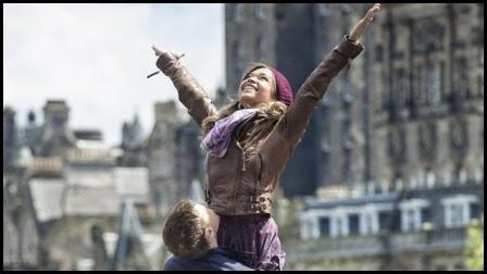 George Mackay y Antonia Thomas en 'Amanece en Edimburgo' (Dexter Fletcher, 2013)