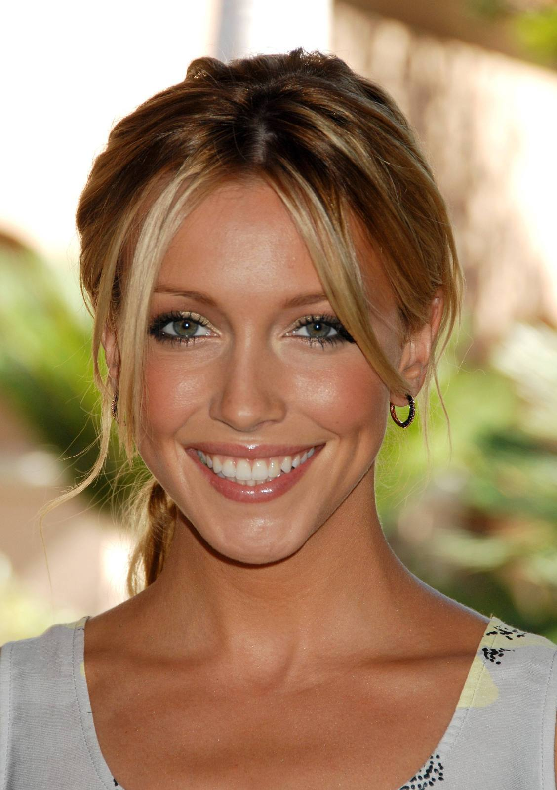 Katie Cassidy Photos (Supernatural)