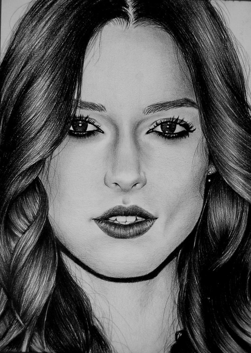 12-Keira-Valentina-Zou-Pencils-and-Charcoal-Hyper-Realistic-Drawings-www-designstack-co