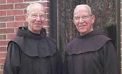 Kembar seiras Julian dan Adrian Riester