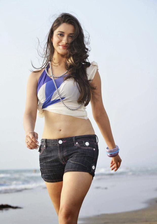 Madhurima hot stills from Close Friends movie