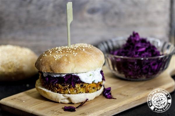 Veggie - wortel-quinoa-tahini burger