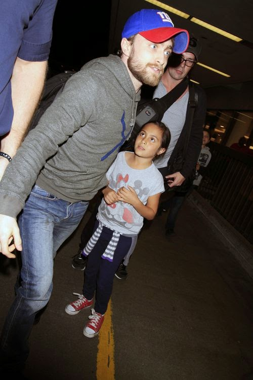 Daniel Radcliffe ignores Mini fan