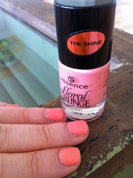 Coral pink nails