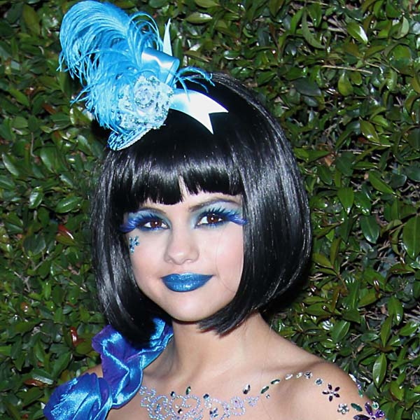 How To Wear Blue Lipstick And Nail It Like A Professional