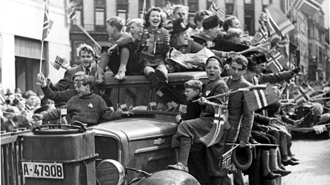 impact of the automobile from 1900 1945 Postwar consumerism was praised as a patriotic contribution to the ultimate success of the between 1945 and 1949 automobiles were needed more than.