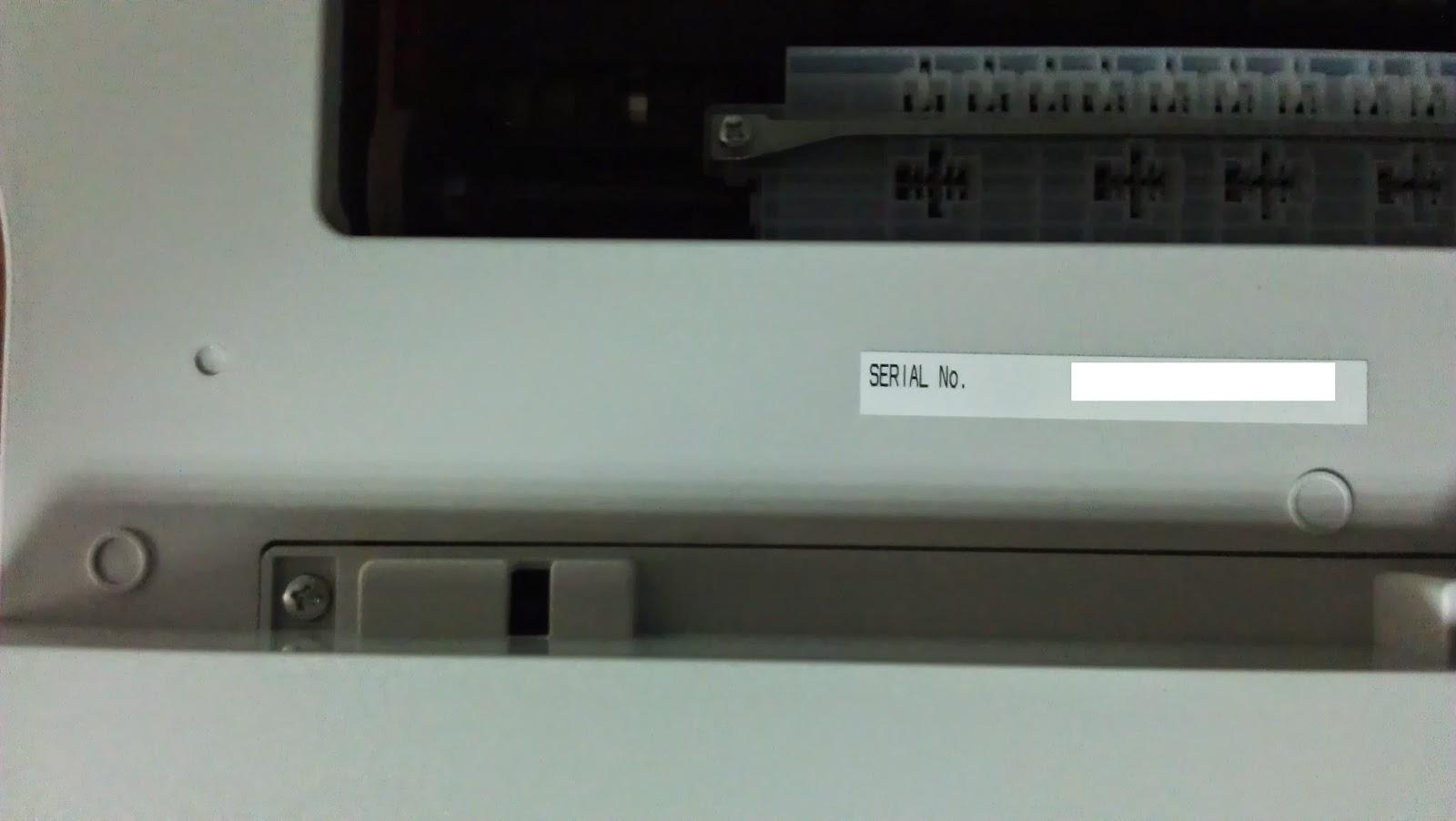 Панель управления стандартная, разве что отсутствует кнопка цветного копиро