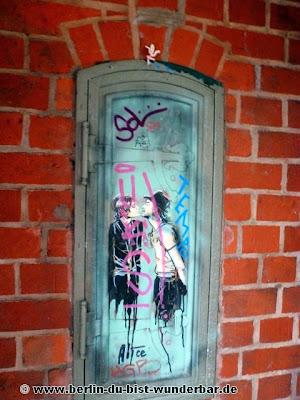 Berlin, graffiti, streetart, art, gebäude, alice, pasquini