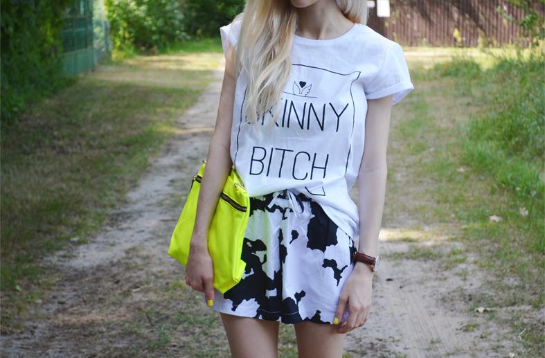 B&W&NEON : YEAH BUNNY tee, COW shorts & NEON bag