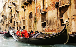 Venice Water Channel Picture