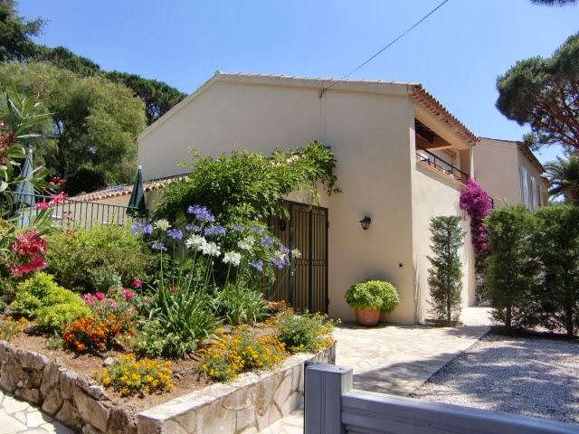 Maliva-Agency har 2 flotte villaer til leie i Les Issambres.