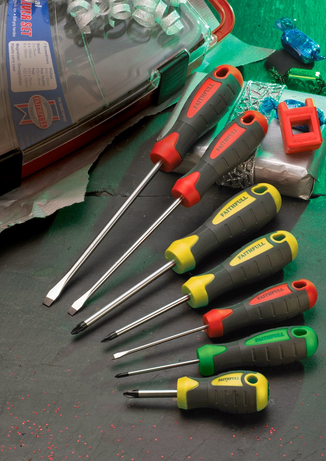http://www.beesleyandfildes.co.uk/faithfull-7-piece-screwdriver-set-and-magnetiser-ref-xms14screw/