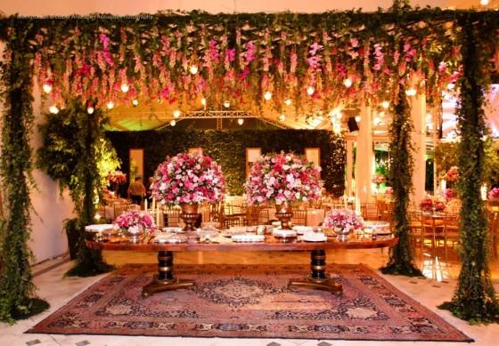 lustres de cristais em suas decorações para casamentos luxuosos em