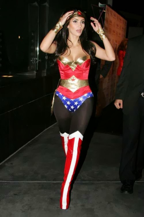 HOT CELEBRITY HALLOWEEN COSTUMES