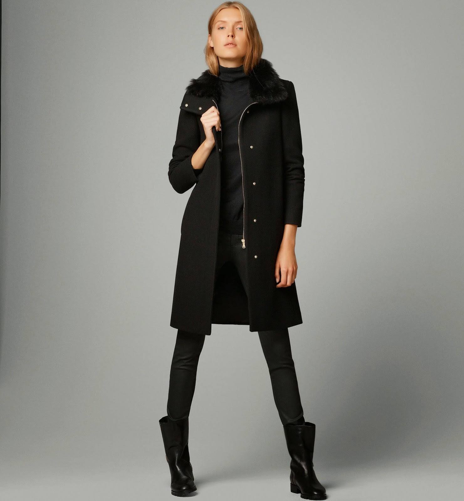 Massimo Dutti model looking chic in black