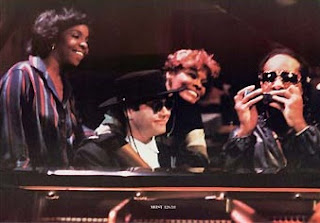 videos musicales de los 80 elton john stevie wonder dionne warwick thats what friends are for