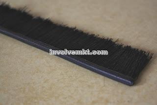 Malaysia strip brush. brush for escalators. brooms for escalators