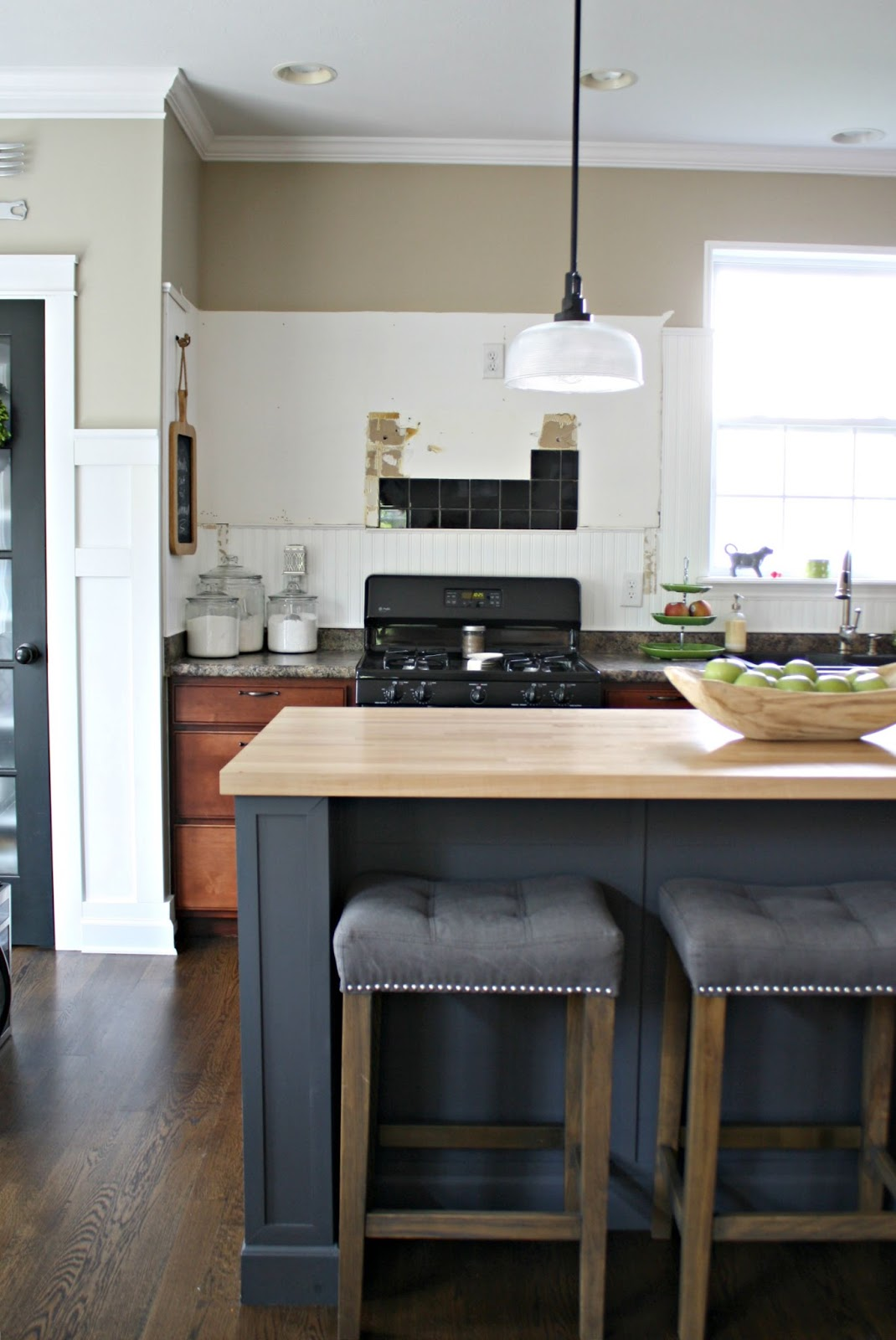 A kitchen reno update from thrifty decor chick for Kitchen without wall units