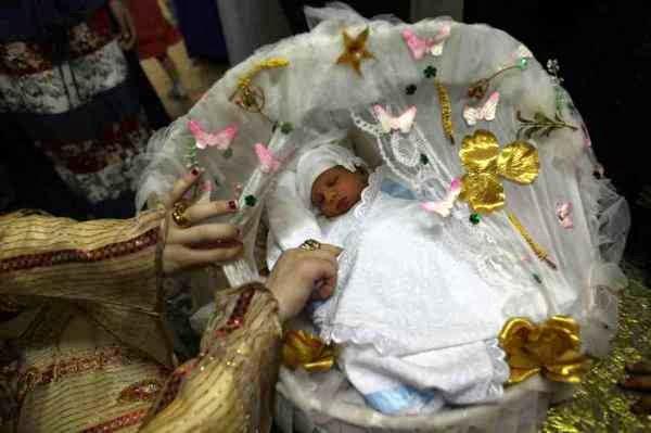 Tiga Tradisi Unik Penyambutan Kelahiran Bayi Di Dunia