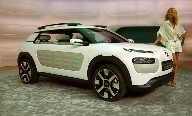 Citroen Cactus concept front side view