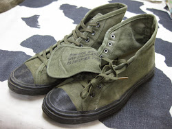1945's          CONVERSE RUBBER CO.          U.S.ARMY          CANVAS SNEAKER            SIZE:9 1/2