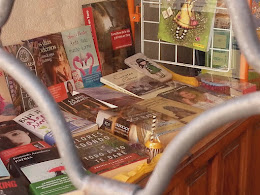"Librería ""Book"" c/ Corredera, 33. Toro."