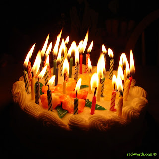 Happy birthday cake مع شموع