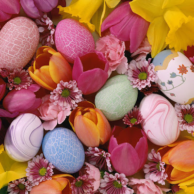 Easter eggs and flowers download free wallpapers for Apple iPad