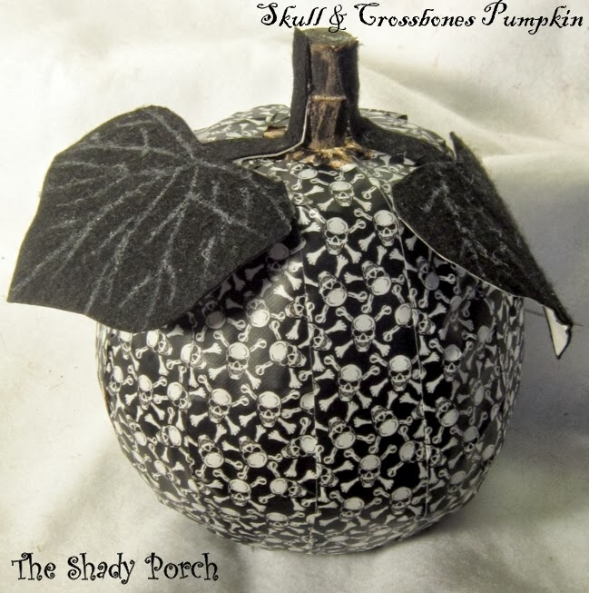 Skull and Crossbones Pumpkin #designtape #decor #fall #pumpkin