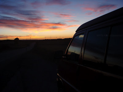 Anochecer en Castilla viajando del Pirineo  a Picos.
