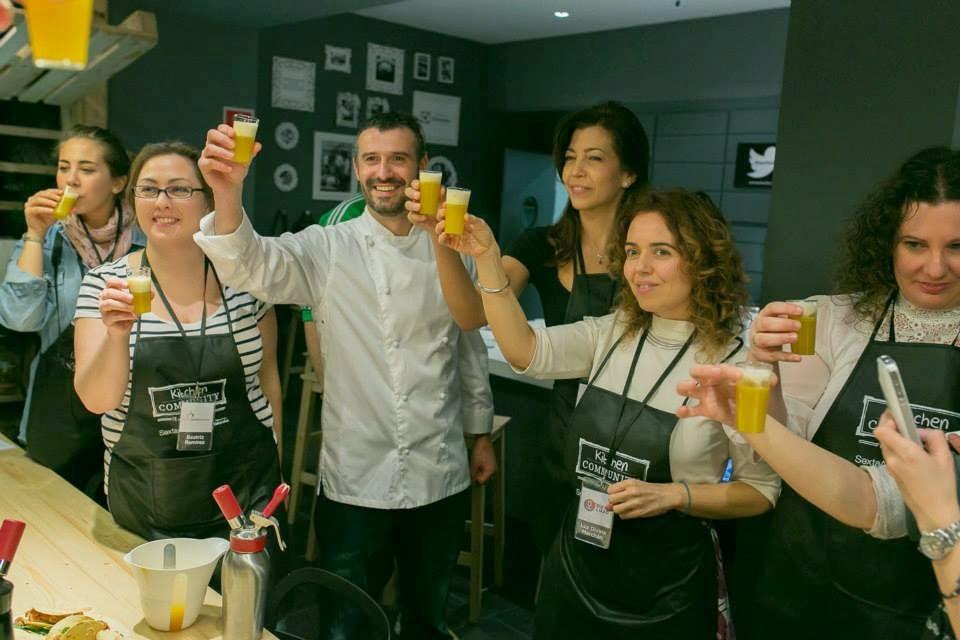 Cocinando con cerveza con Antonio Canales en Kitchen Community de Sexta Avenida