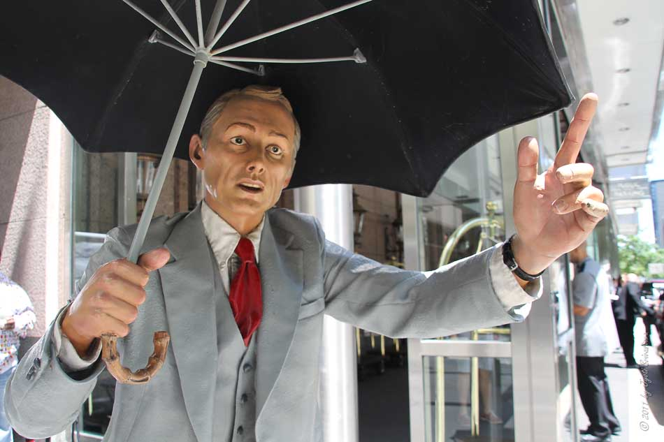 Public art in chicago river north allow me by j for John seward johnson i