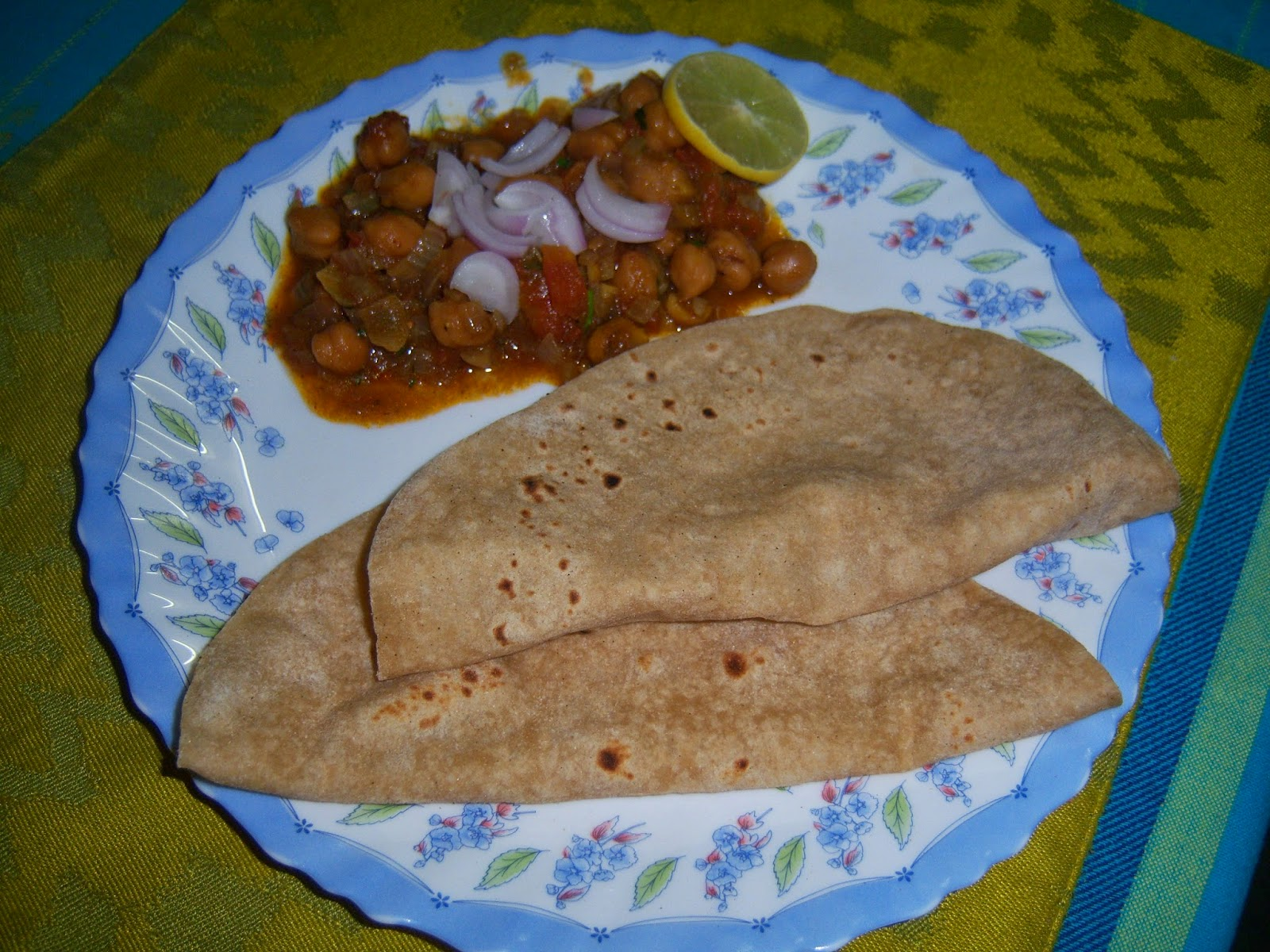 Chana Masala with Roti