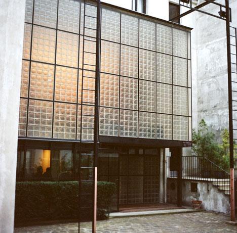 World Extraordinary Homes Amazing Glass House Maison De Verre Paris
