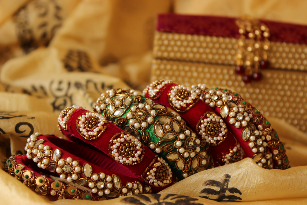 Beautiful hands with bangles :Dps for girls | Awesome dp