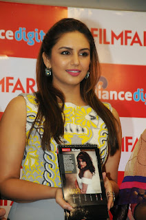 Huma Qureshi looks Gorgeous in Tight Clothes at Filmfare 2015 Calendar Launch Mumbai