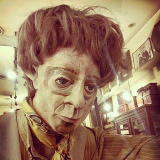 Un británico pretende colocar la momia de su mujer en el salón de su casa