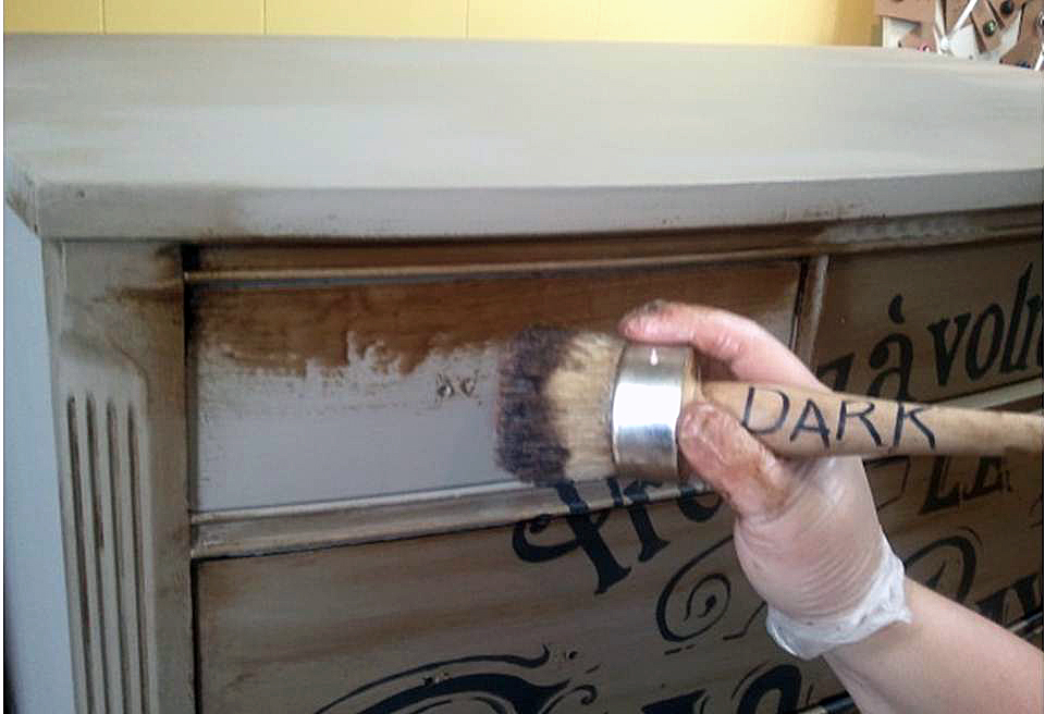 how to prepare wood for applying chalk paint