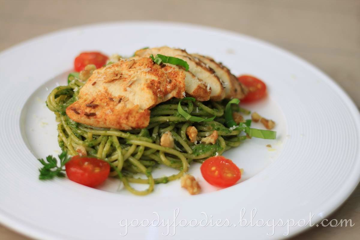 GoodyFoodies: Recipe: Pesto Pasta with Oven-Roasted Chicken
