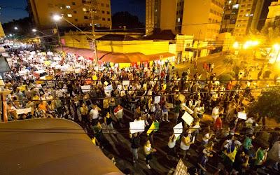 Manifestações em Ribeirão Preto - Um Asno