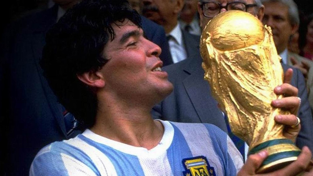 Diego Maradona holding the Fifa World Cup 86 in Mexico, 1986