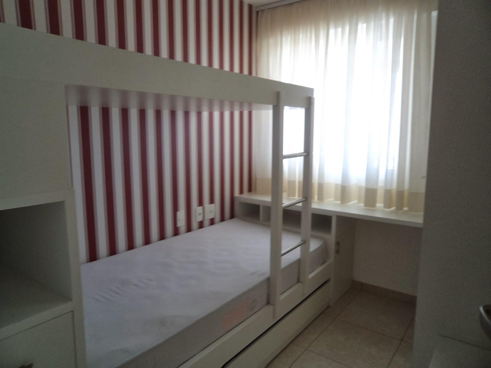 Imagens de #5C4946 Quarto de solteiro com armários projetados e beliche com cama  1600x1200 px 3548 Blindex Banheiro Fortaleza