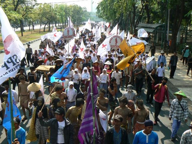 Prasangka Diskriminasi Dan Etnosentrisme Di Indonesia This Is