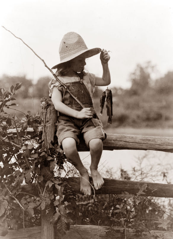 Girls fish gone fish vintage photos vintage prints for Little girl fishing pole