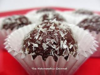 http://naturopathicgourmet.blogspot.com/2013/03/raw-chocoate-truffles.html