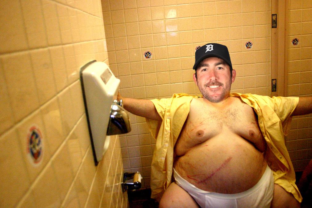 Мастурбирующий толстый мужик видео 196