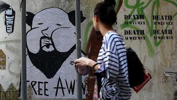 Una pintada en Hong Kong pide la libertad para Ai Weiwei